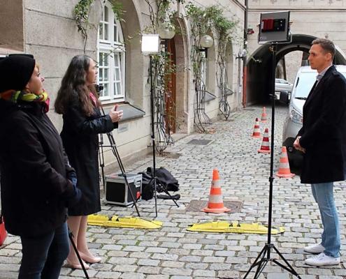 Drehort Neuer Bau mit Herrn Hermann, Inge Bell, Diana Bayer